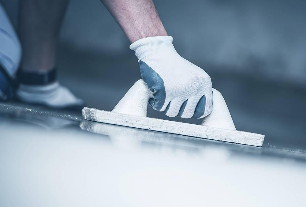 Poziomowanie posadzki betonowej